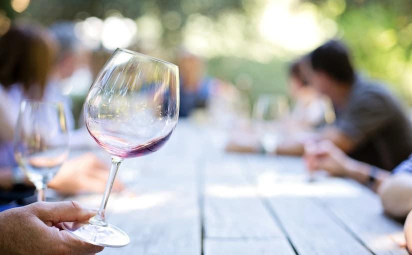 Por qué disfrutar de un wine tasting